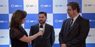 Helder Aguiar e Paulo Nascimento, vencedores do Prêmio Acadêmico, falam sobre o tema deste trabalho.