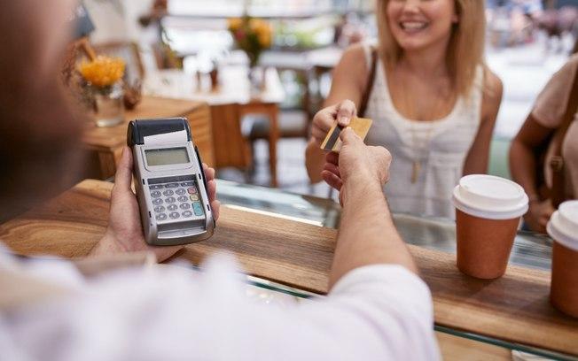 Franchising mantém ritmo e cresce 8,1% no 2° trimestre, aponta pesquisa da ABF