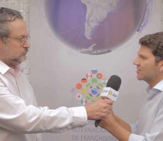 O Diretor Internacional, André Friedheim aborda a política da ABF em relação à intenção do público congressista na expansão para o exterior. Além disso, fala sobre a carência de estudos de mercado quando se trata de um ambiente inexplorado.