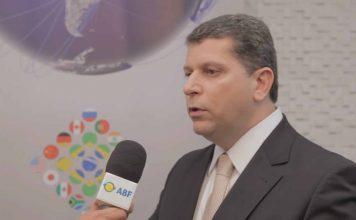 Alexandre Teixeira, Superintendente do Santander, fala sobre como diferenciar-se das demais instituições em relação aos produtos bancários destinados ao segmento de franquias.