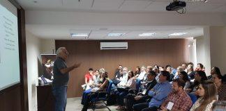 O especialista Luiz Antonio Secco apresentou aos participantes como administrar assertivamente as lojas e atingir as metas